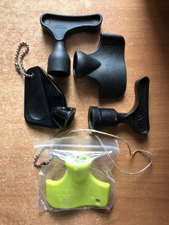 Ключ для шипов бутс адидас