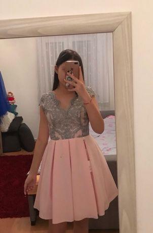 Rozkloszowana sukienka z koronką nowa z metkami
