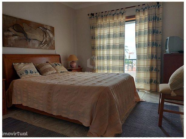 Apartamento de 2 Quartos em Altura