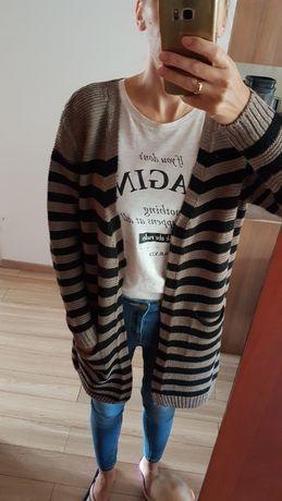 Długi sweter kardigan z kieszeniami paski jesień