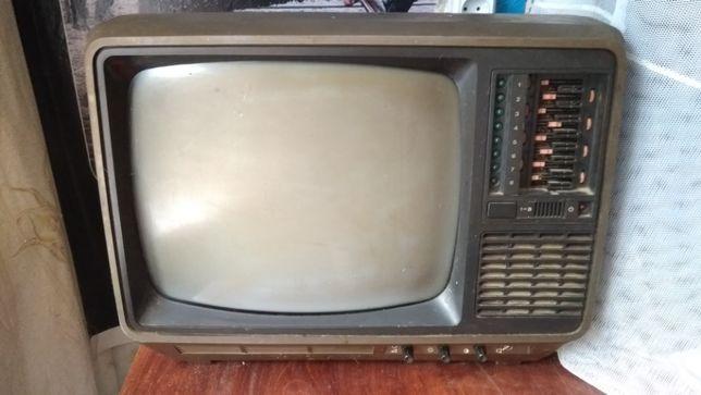 Телевизор переносной.