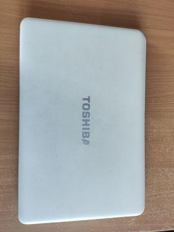 Ноутбук 17 дюймов Toshiba satellite c870d-11x