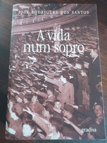 Livros variados novos