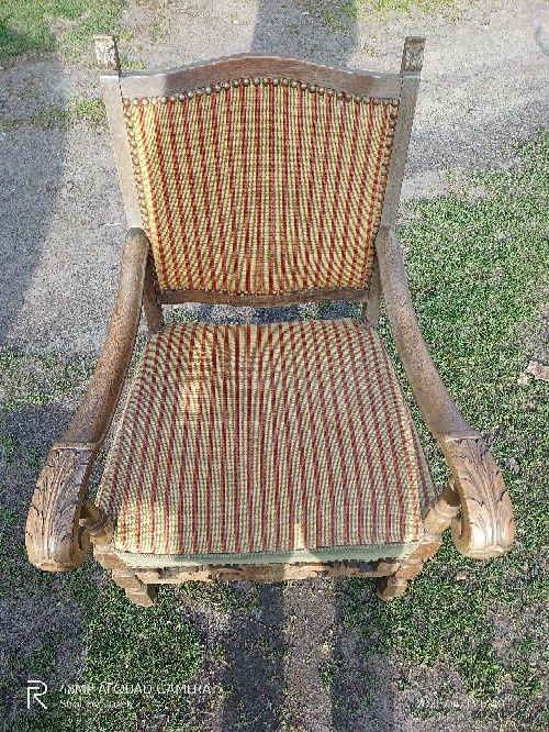 Krzeslo rzeźbione