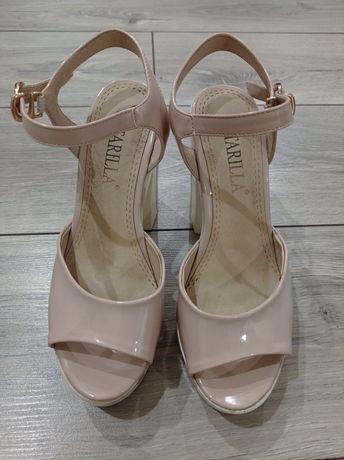 Женская обувь/Туфли