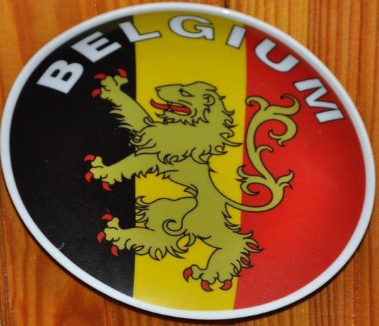 Сувенирние настенние тарелки из Бельгии, Италии, Турции