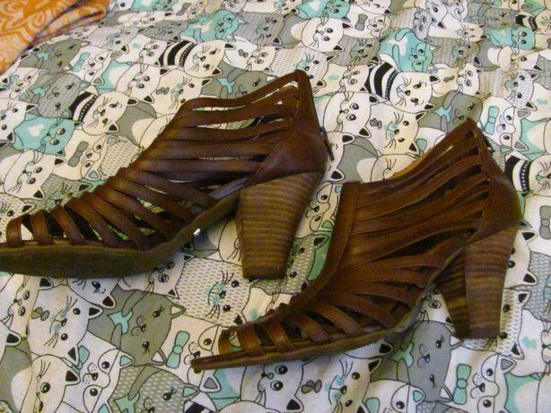 Босоножки. сандалии,  5TH Avenue