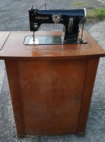 Stara zabytkowa szafkowa maszyna do szycia Kohler