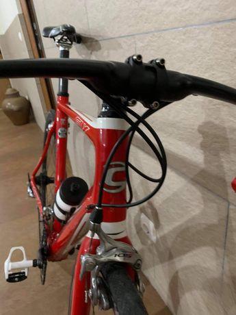 Bicicleta de estrada cannondale (tam 54)