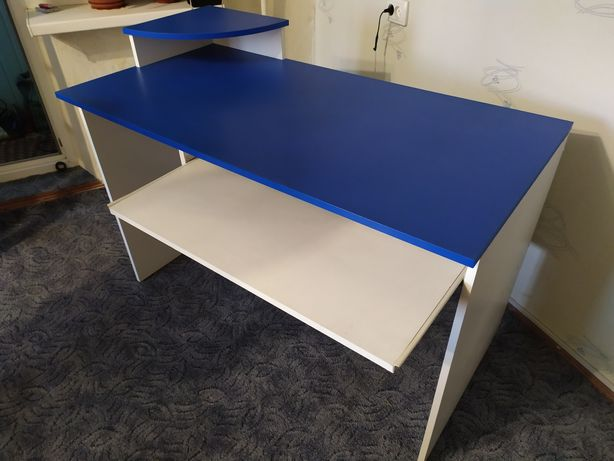 Стол компьютерный офисный
