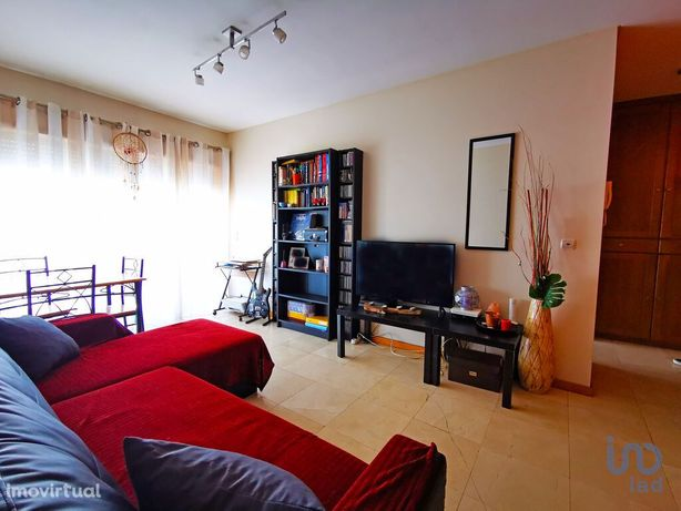 Apartamento - 71 m² - T2
