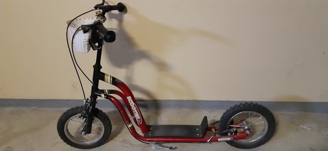 Hulajnoga scooter pompowane koła gratis czerwony kask