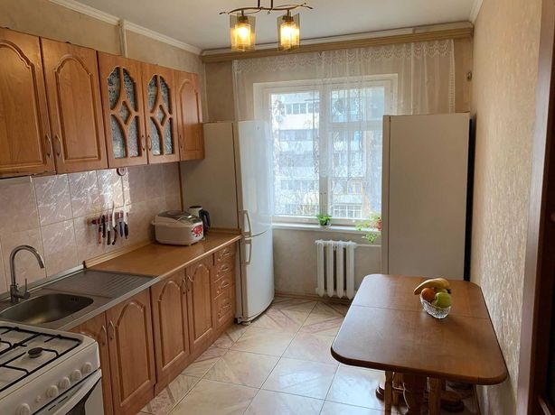 Продам 3 комнатную чешку на Самена Палия (р-н 17 и 22 школ)