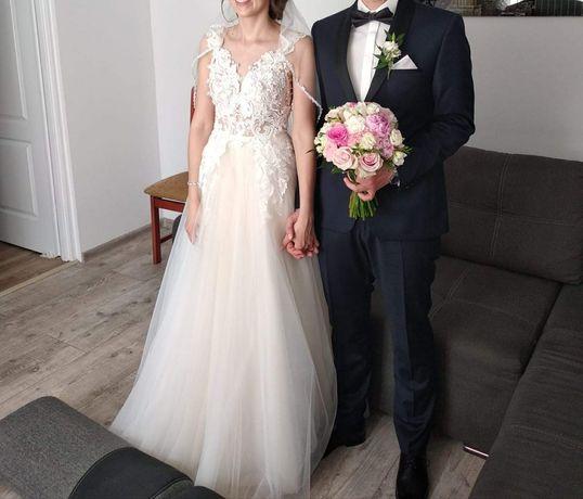 Suknia ślubna glamour koronka