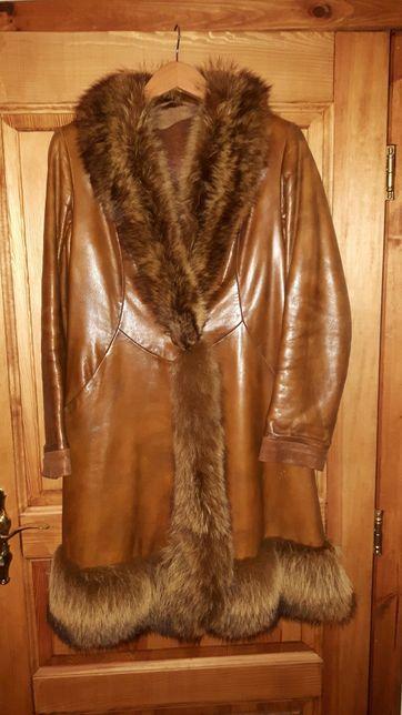 Płaszcz skórzany z lisem rozm. 40