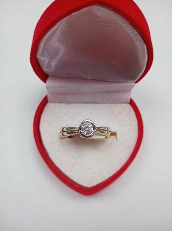 Złoty pierścionek 585, rozmiar 15