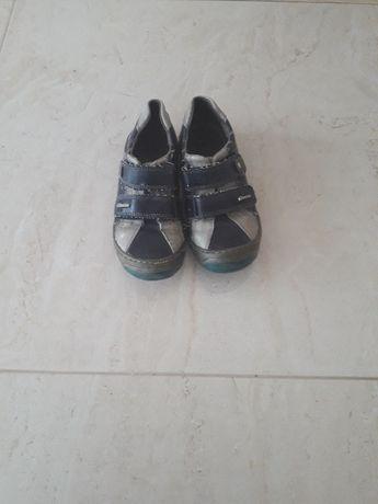 Półbuty skórzane Kornecki buty wiosenne jesienne