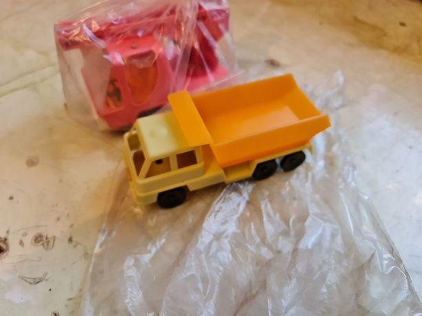 Пластиковые игрушечные машинки СССР