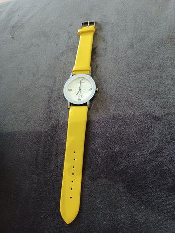 Relógio amarelo  novo
