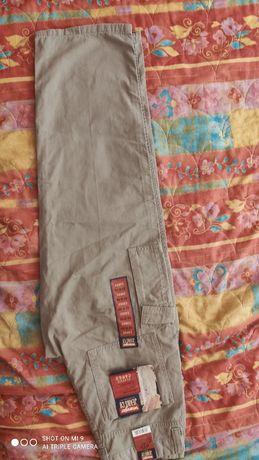 Męskie spodnie wrangler Classic Cargo