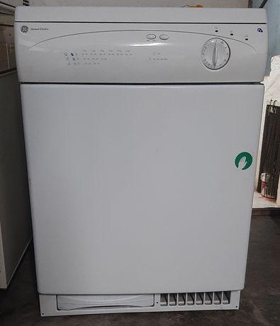 Máquina de secar roupa condensação