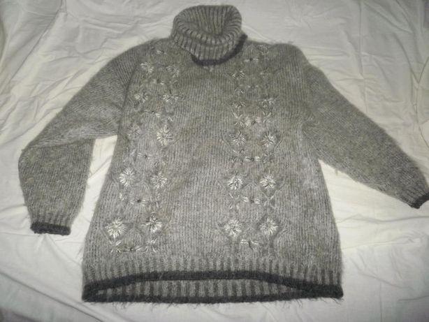Продам очень теплый мохеровый свитер