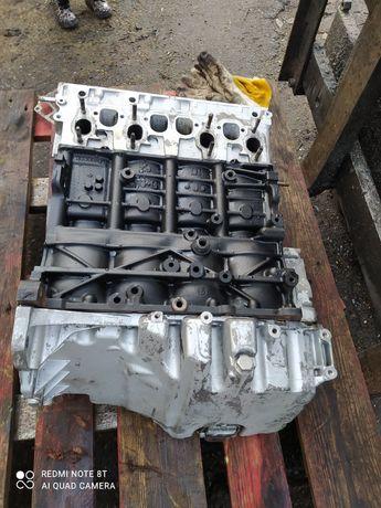 Sprzedam słupek bpw Audi A4 uszkodzony z wałkiem rozrządu