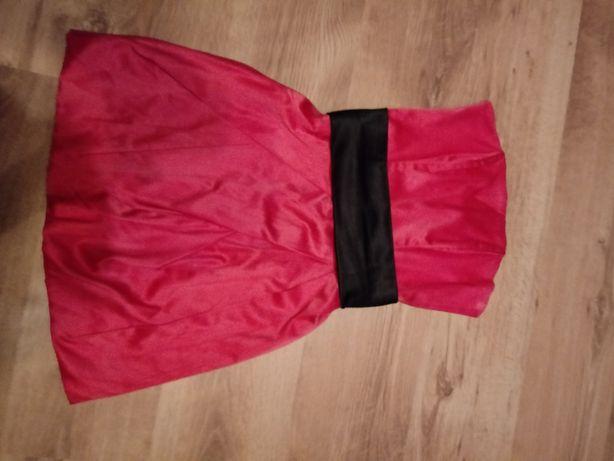 Sukienka czerwona z czarnym paskiem