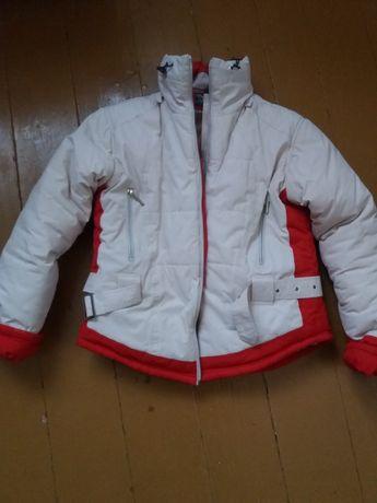 Курточка зимова,
