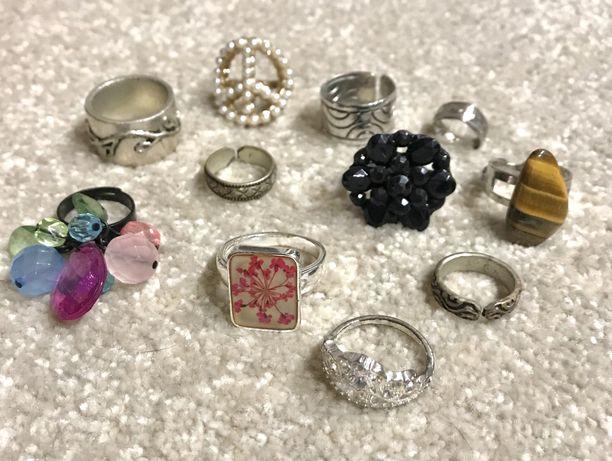 Anéis de varias marcas