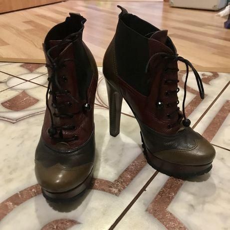 Ботинки Pier lucci, розмір 35