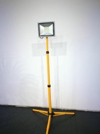 Kit Iluminação LED - Projetor 50w em Tripé
