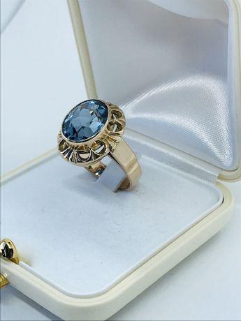 Złoty pierścionek 585 rozmiar 17/18,00 mm.