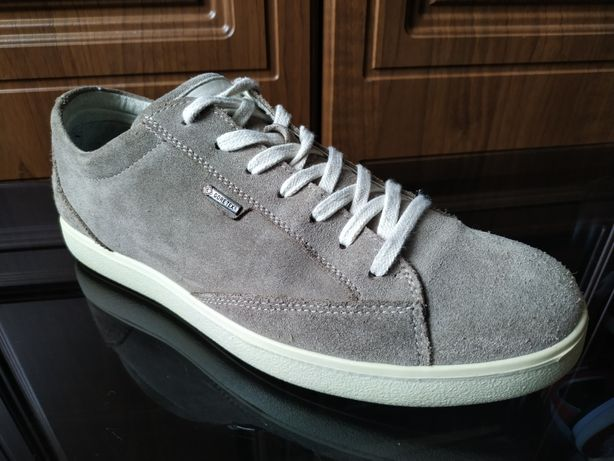 Итальянские кроссовки lGI & CO 43 gucci armani