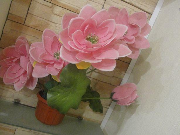 Искусственные большие красивые реалистичные цветы в горшке