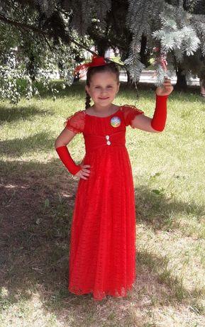 Червона випускна сукня в садочок
