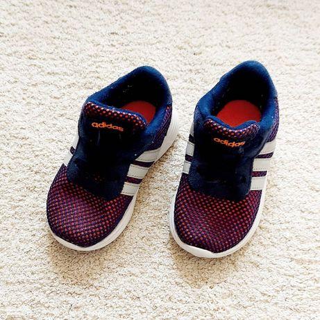Ténis Adidas - tamanho: 20
