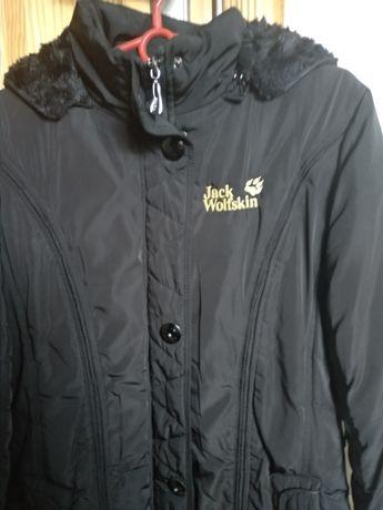Sprzedam płaszcz zimowy Jack Wolfskin