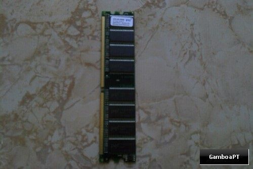 Memória RAM DDR 400 256MB