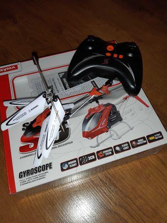 Вертолет на пульту управления