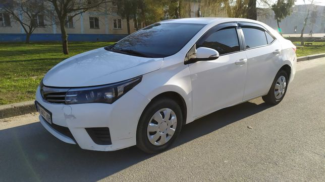 Продается Toyota Corolla 2013 года