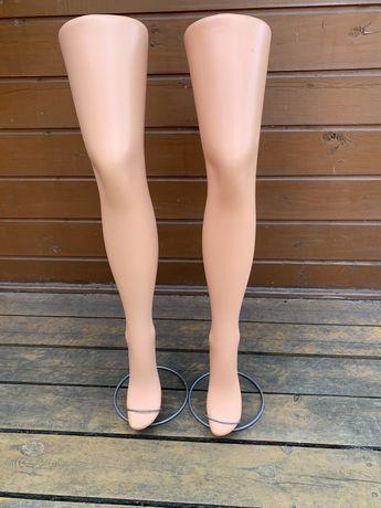 Nogi wystawowe z podstawkami