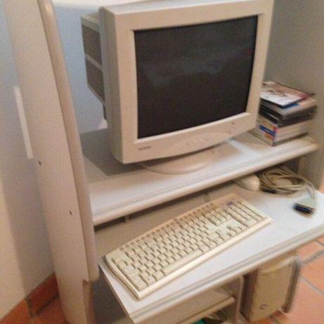 Monitor teclado rato