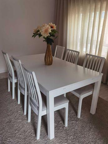 Mesa jantar extensiva com 6 cadeiras