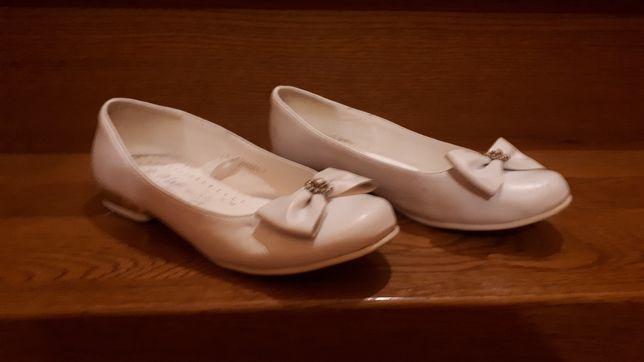 Buty baleriny białe komunijne.