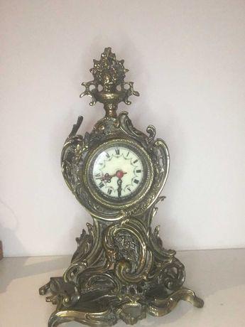 Relógio em latão