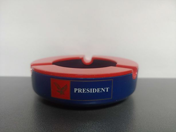 Металлическая пепельница President
