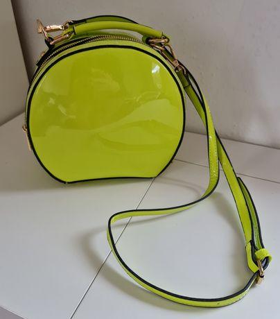 Piękna zielona torebka mała na ramię lub do ręki Fashionnova USA