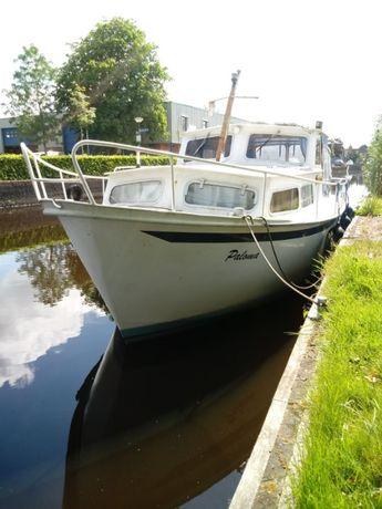 Łódz kabinowa motorowa,motorówka Stalowa CRUISER