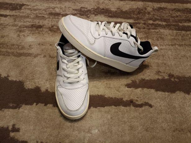 Кроссовки Nike (Adidas)